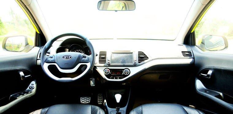 Nội thất của Kia Morning được thiết kế đơn giản, liền mạch.