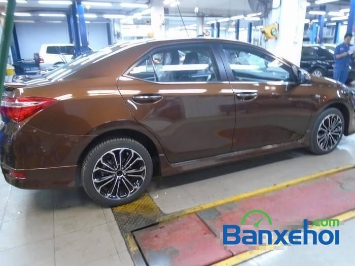 Bán Toyota Corolla altis sản xuất 2015, màu nâu-3
