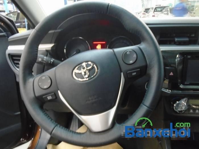 Bán Toyota Corolla altis sản xuất 2015, màu nâu-6