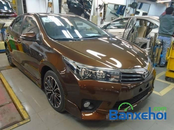 Bán Toyota Corolla altis sản xuất 2015, màu nâu-1