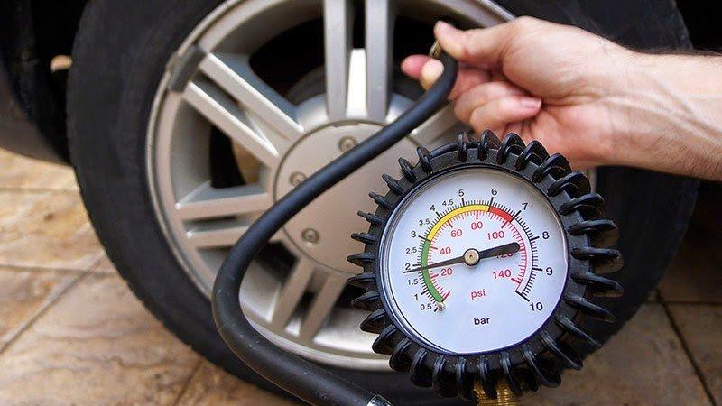 Bơm các lốp đúng theo áp suất quy định.