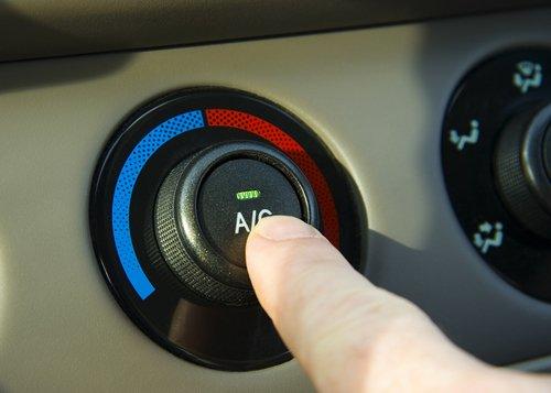 Tắt các hệ thống điện tử, điều hòa trước khi tắt máy.