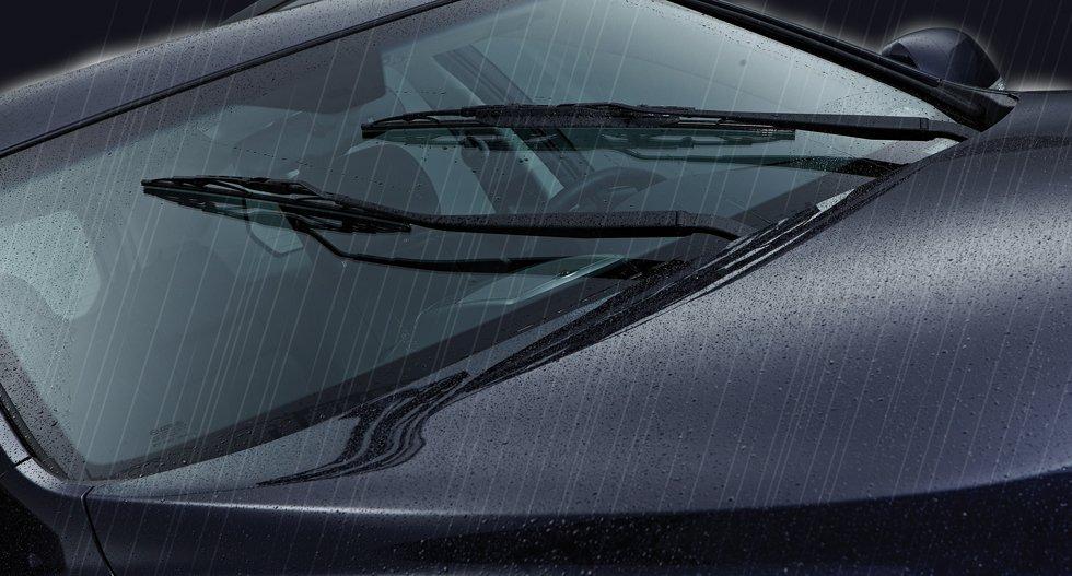 Cần gạt mưa đảm bảo phải phù hợp với size theo xe, ôm sát mặt kính.