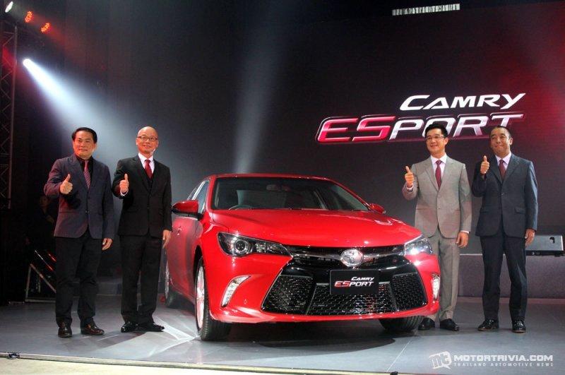 Toyota Camry ESport ra mắt thị trường Thái Lan với giá 1,05 tỷ đồng.