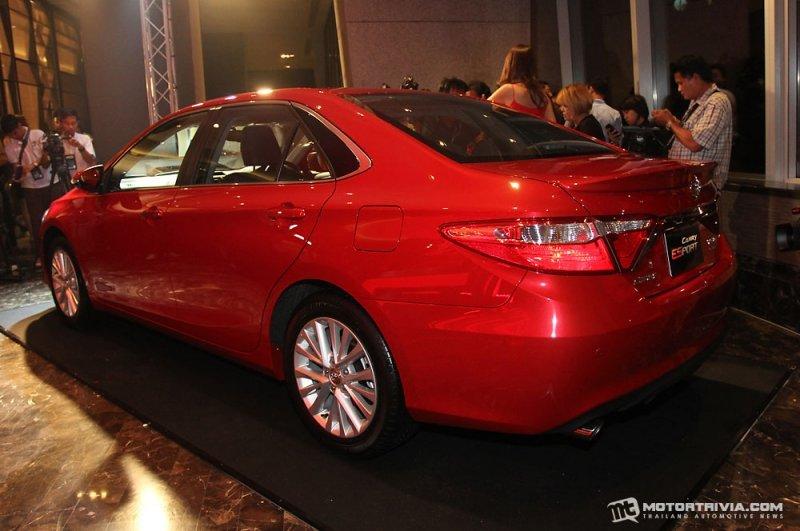 Toyota Camry ESport a3