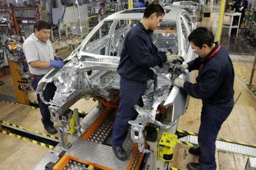Chi phí sản xuất ở Trung Quốc tăng cao, các hãng xe hơi quay trở lại châu Âu