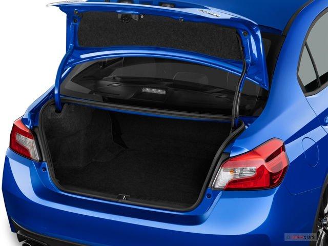 Đánh giá cốp xe Subaru WRX 2015