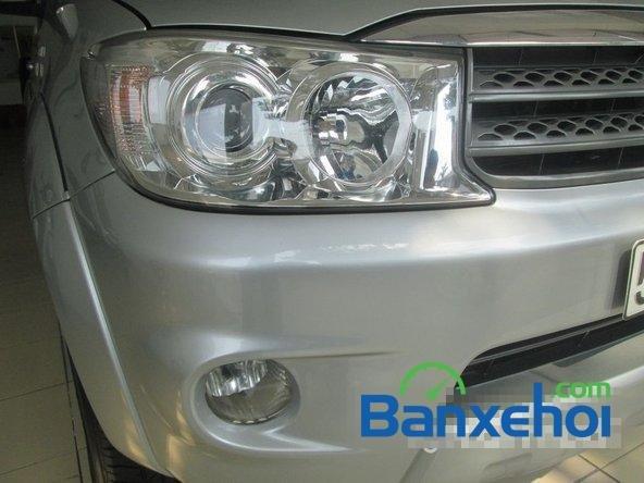 Salon Auto Tuấn Thanh Tùng cần bán xe Toyota Fortuner V sản xuất 2011 đã đi 30000 km, giá chỉ 800 triệu-3