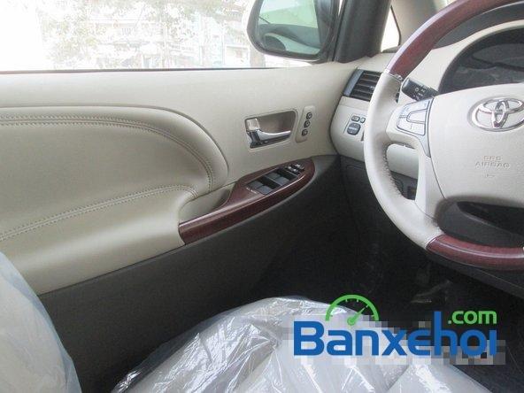 Salon Auto Thanh Thiên Phú cần bán xe Toyota Sienna sản xuất 2013 đã đi 16000 km-11