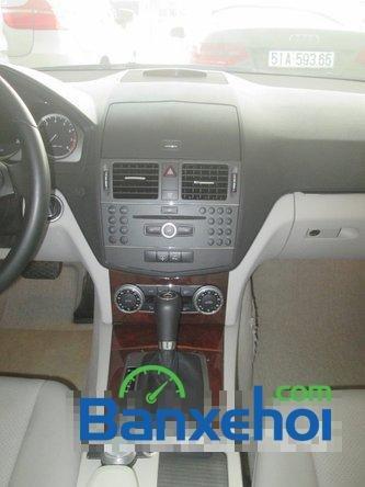 Salon Thịnh Lợi bán xe Mercedes-Benz C250 cũ màu bạc,  đã đi 46000 km, giá 950Tr-12