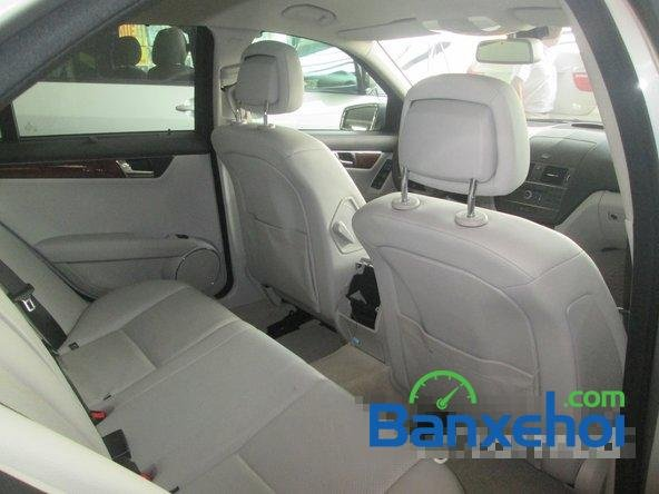 Salon Thịnh Lợi bán xe Mercedes-Benz C250 cũ màu bạc,  đã đi 46000 km, giá 950Tr-13