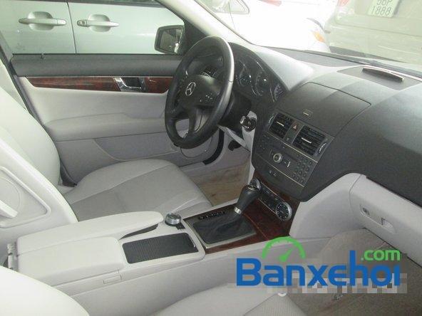 Salon Thịnh Lợi bán xe Mercedes-Benz C250 cũ màu bạc,  đã đi 46000 km, giá 950Tr-6