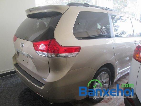 Salon Auto Thanh Thiên Phú cần bán xe Toyota Sienna sản xuất 2013 đã đi 16000 km-3