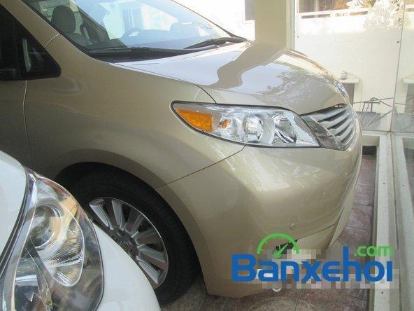 Salon Auto Thanh Thiên Phú cần bán xe Toyota Sienna sản xuất 2013 đã đi 16000 km-0