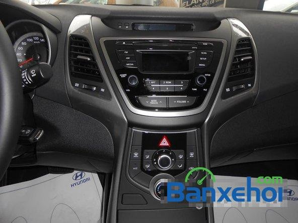 Hyundai Long Biên cần bán Hyundai Elantra Gls đời 2015, màu đen-8