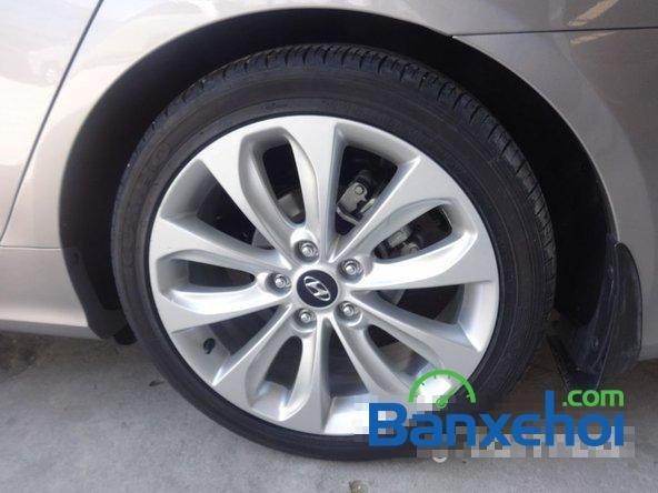 Bảo Việt Auto - HCM bán ô tô Hyundai Sonata đời 2011 đã đi 52000 km-8
