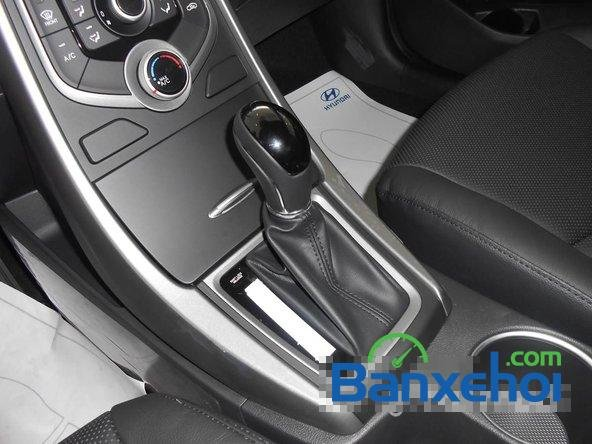 Hyundai Long Biên cần bán Hyundai Elantra Gls đời 2015, màu đen-7