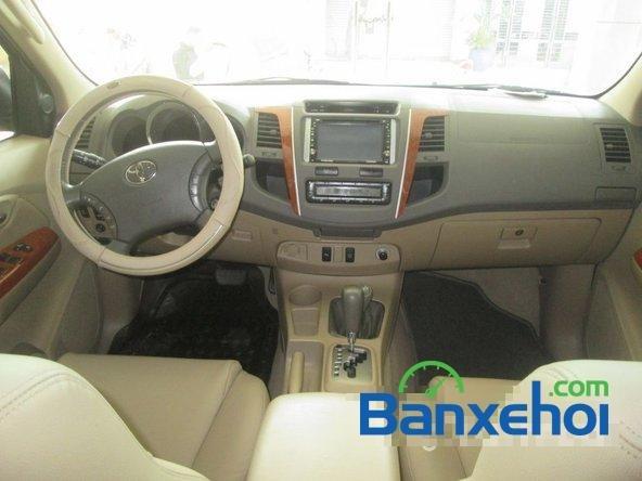 Salon Auto Tuấn Thanh Tùng cần bán xe Toyota Fortuner V sản xuất 2011 đã đi 30000 km, giá chỉ 800 triệu-13