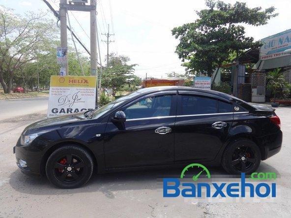 Bán xe Chevrolet Cruze Ltz, màu đen đã đi 12000 km, giá 590 triệu-3