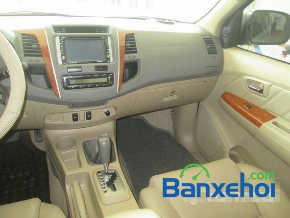 Salon Auto Tuấn Thanh Tùng cần bán xe Toyota Fortuner V sản xuất 2011 đã đi 30000 km, giá chỉ 800 triệu-9