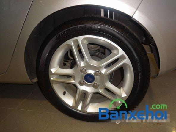 Saigon Ford - CN Phổ Quang bán xe Ford Focus cũ màu bạc, đã đi 65000 km-8