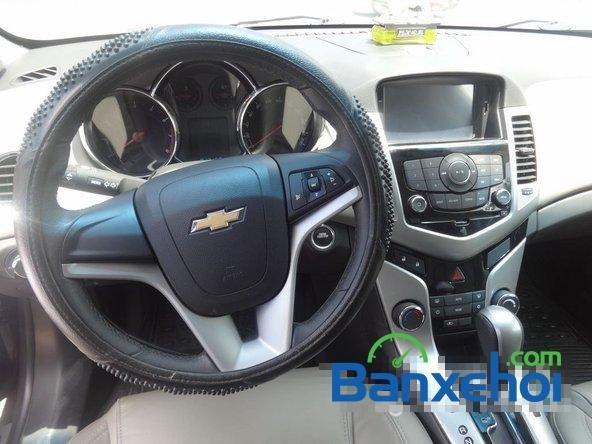 Bán xe Chevrolet Cruze Ltz, màu đen đã đi 12000 km, giá 590 triệu-9