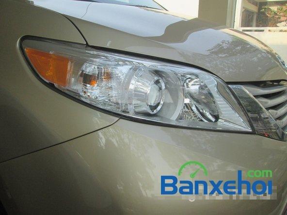 Salon Auto Thanh Thiên Phú cần bán xe Toyota Sienna sản xuất 2013 đã đi 16000 km-1