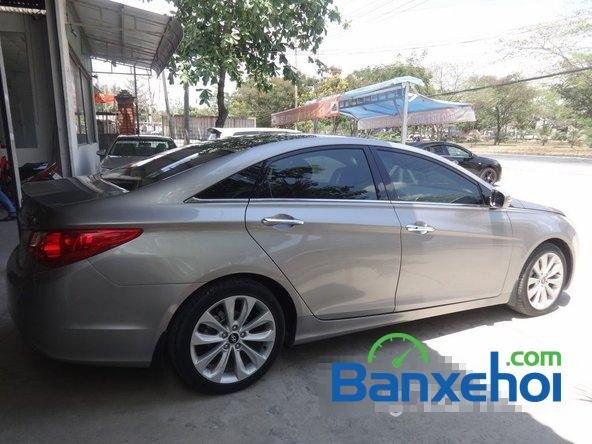Bảo Việt Auto - HCM bán ô tô Hyundai Sonata đời 2011 đã đi 52000 km-4