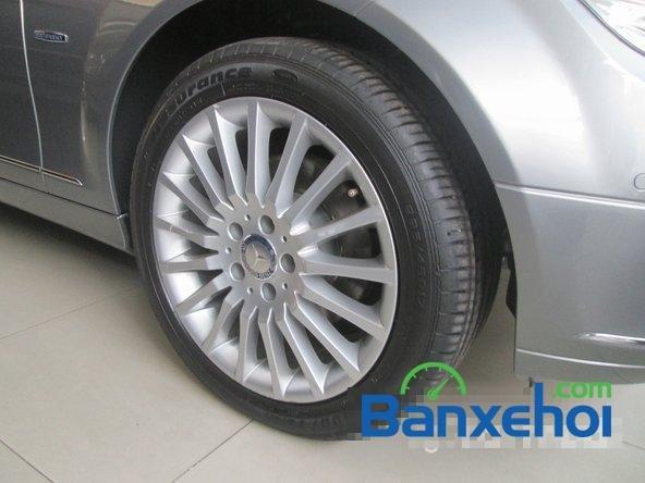Salon Thịnh Lợi bán xe Mercedes-Benz C250 cũ màu bạc,  đã đi 46000 km, giá 950Tr-5