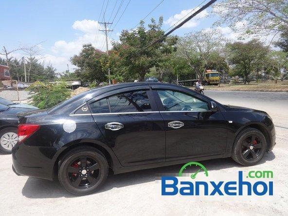 Bán xe Chevrolet Cruze Ltz, màu đen đã đi 12000 km, giá 590 triệu-4