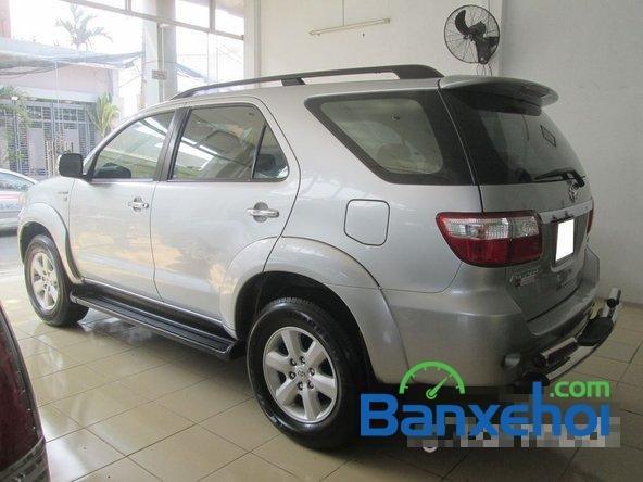 Salon Auto Tuấn Thanh Tùng cần bán xe Toyota Fortuner V sản xuất 2011 đã đi 30000 km, giá chỉ 800 triệu-5