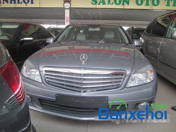 Salon Thịnh Lợi bán xe Mercedes-Benz C250 cũ màu bạc,  đã đi 46000 km, giá 950Tr-0