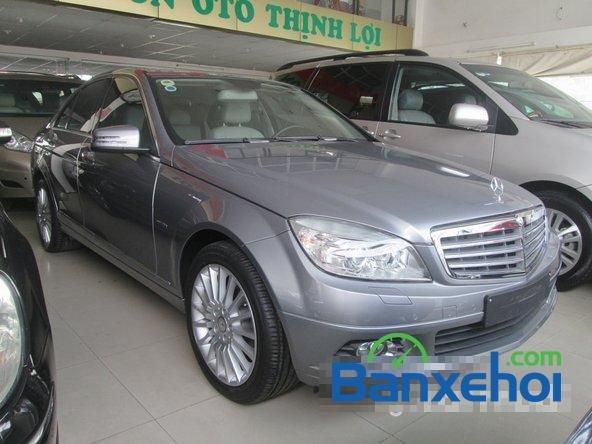 Salon Thịnh Lợi bán xe Mercedes-Benz C250 cũ màu bạc,  đã đi 46000 km, giá 950Tr-1