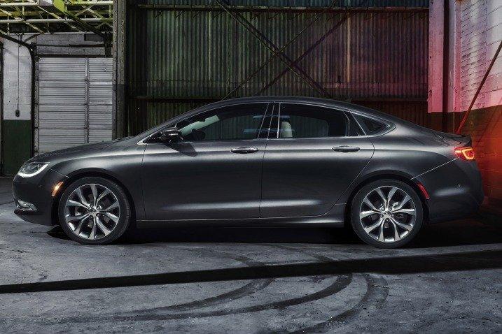 Đánh giá thân xe Chrysler 200 2015
