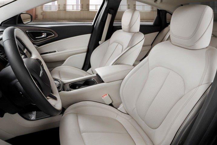 Đánh giá ghế ngồi xe Chrysler 200 2015