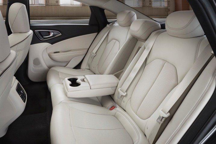 Đánh giá ghế xe Chrysler 200 2015