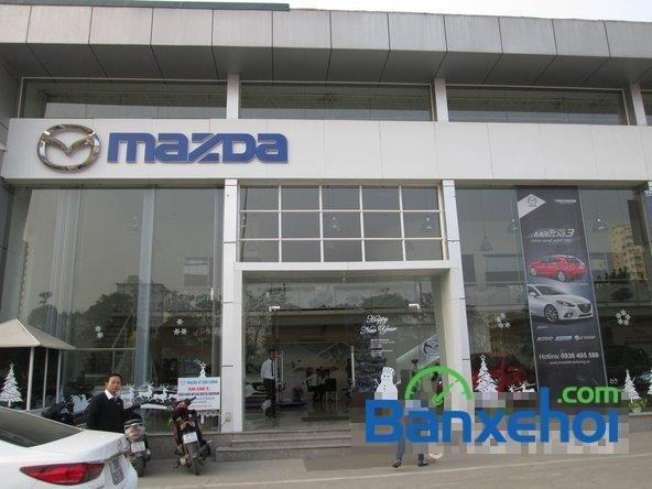 Salon  bán xe Mazda 6 năm 2015, màu đen-9