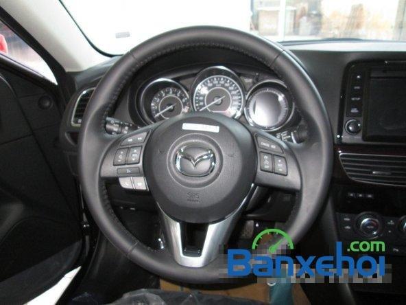 Salon  bán xe Mazda 6 năm 2015, màu đen-6