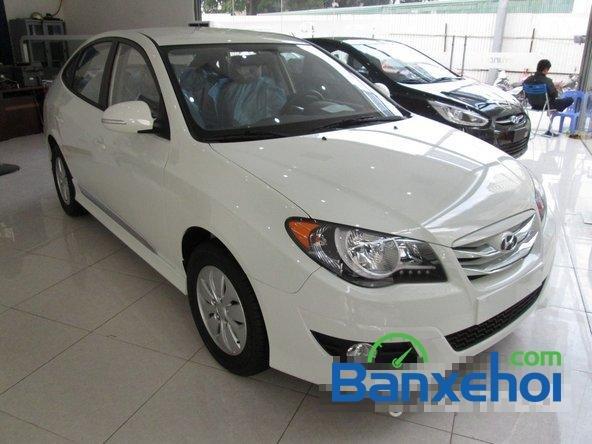 Hyundai Lê Văn Lương cần bán Hyundai Avante mới màu trắng, giá 523Tr-1