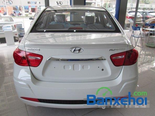 Hyundai Lê Văn Lương cần bán Hyundai Avante mới màu trắng, giá 523Tr-4