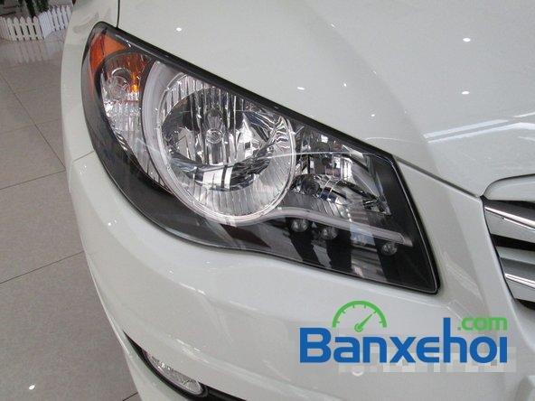 Hyundai Lê Văn Lương cần bán Hyundai Avante mới màu trắng, giá 523Tr-2