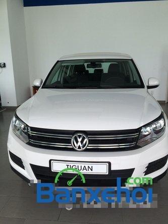 Cần bán xe Volkswagen Tiguan đời 2015, màu trắng giá 1,25 tỉ-0