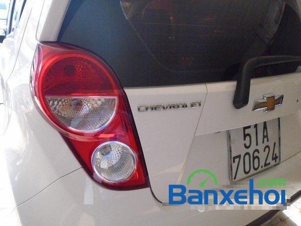 Bán Chevrolet Spark Ltz đời 2013, màu trắng đã đi 7000 km xe đang có sẵn, giao xe ngay-7