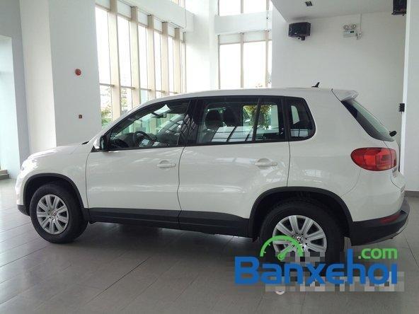 Cần bán xe Volkswagen Tiguan đời 2015, màu trắng giá 1,25 tỉ-1