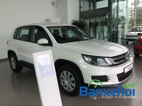 Cần bán xe Volkswagen Tiguan đời 2015, màu trắng giá 1,25 tỉ-4