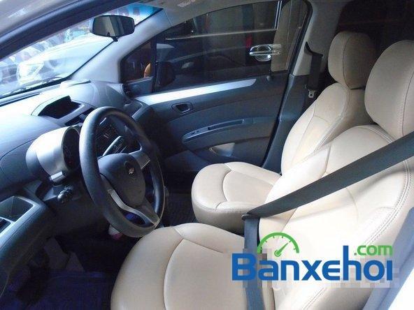 Bán Chevrolet Spark Ltz đời 2013, màu trắng đã đi 7000 km xe đang có sẵn, giao xe ngay-10