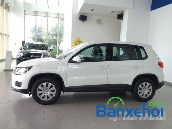 Cần bán xe Volkswagen Tiguan đời 2015, màu trắng giá 1,25 tỉ-2