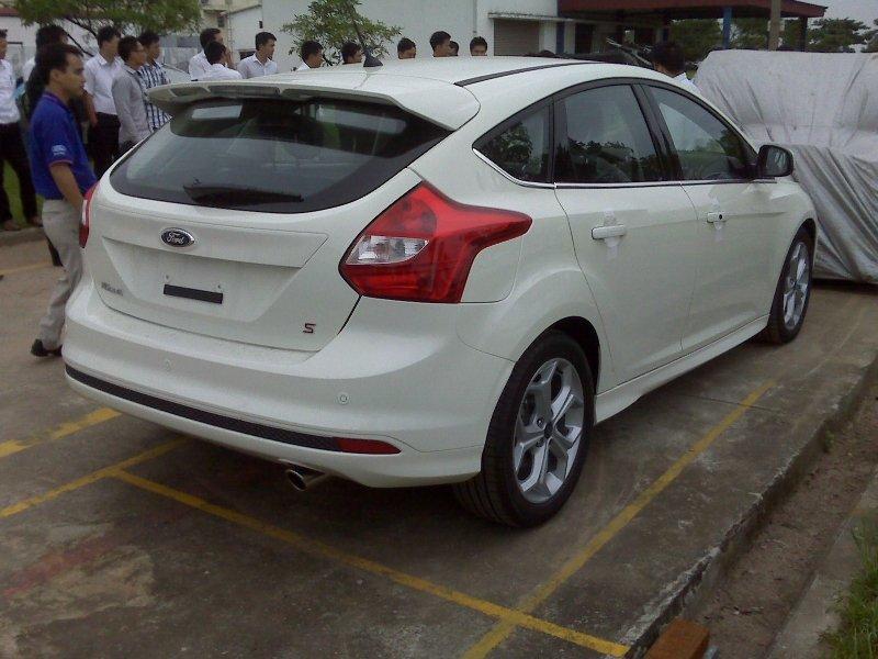 Bán xe Ford Fiesta sedan 2014 mới tại Đà Nẵng giá 579 Triệu-1