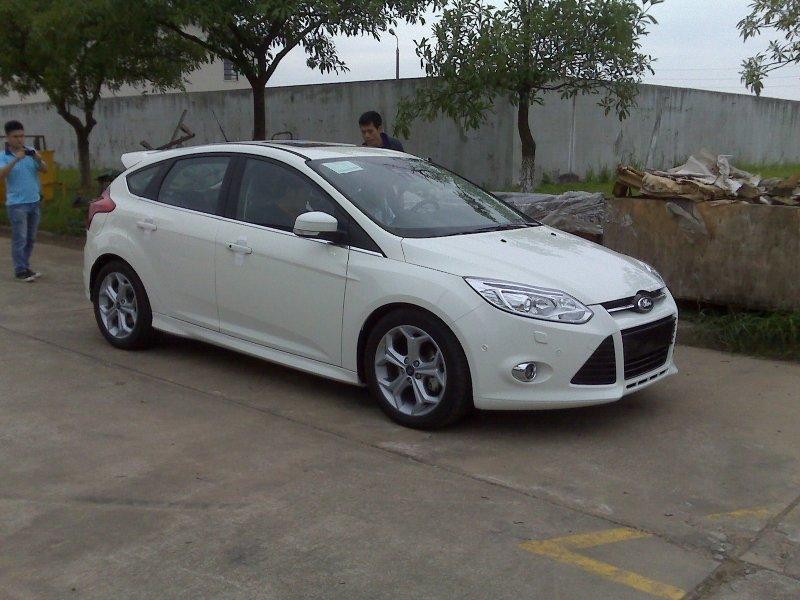 Bán xe Ford Fiesta sedan 2014 mới tại Đà Nẵng giá 579 Triệu-0