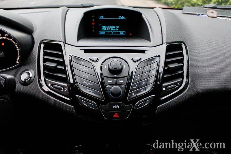 Bán xe Ford Fiesta B 2015 mới tại Hà Nội giá 540 Triệu-6